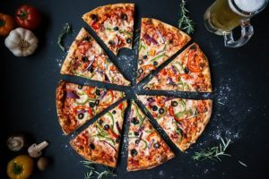 Pizza med lækre ingredienser